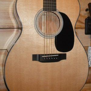 Martin 000-18 Acoustic Guitar w/Case